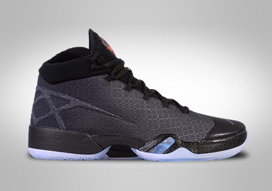 Nike Jordan XXX UK 12 EUR 47.5 NUOVO Nero/Bianco NUOVO 811006 010