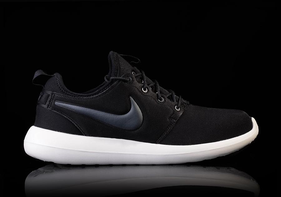 NUOVO Con Scatola Da Uomo UK 7 Nike Roshe due Scarpe da ginnastica Scarpe da ginnastica 844656003 BLACKOUT