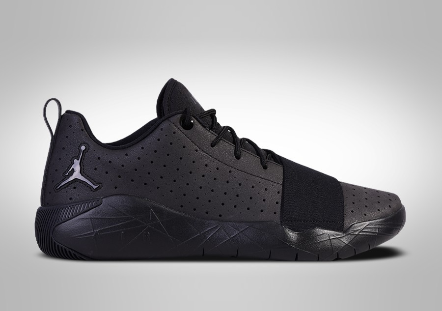 separation shoes 1a863 f034d NIKE AIR JORDAN BREAKOUT TRIPLE BLACK price €92.50   Basketzone.net