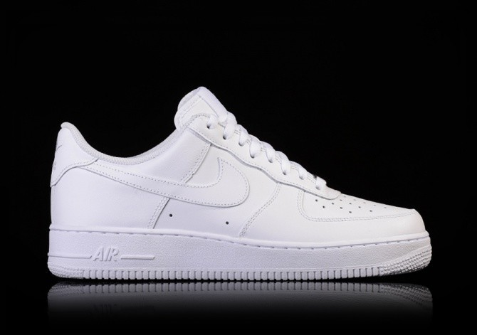 wholesale dealer f83ed beb51 NIKE AIR FORCE 1 '07 LOW WHITE per €87,50 | Basketzone.net
