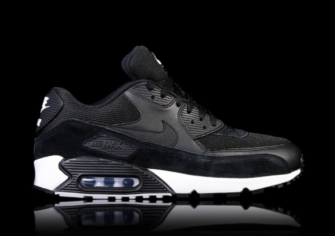 NIKE AIR MAX 90 ESSENTIAL BLACK für €117,50 |