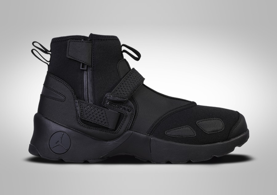 613cf9a6be429 NIKE AIR JORDAN TRUNNER LX HIGH BLACK für €117