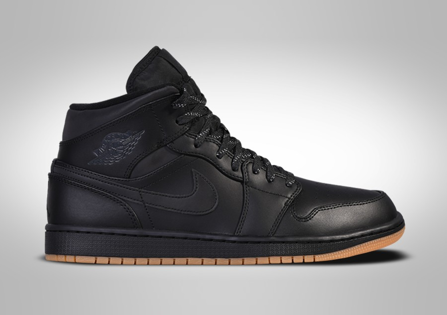 136ec273295 NIKE AIR JORDAN 1 RETRO MID WINTERIZED BLACK. AA3992-002
