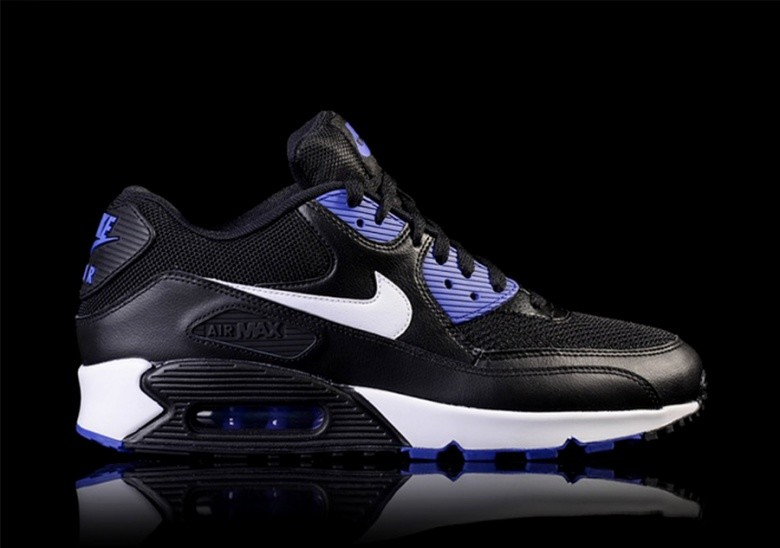 NIKE AIR MAX 90 ESSENTIAL BLACKPERSIAN VIOLET price €112.50