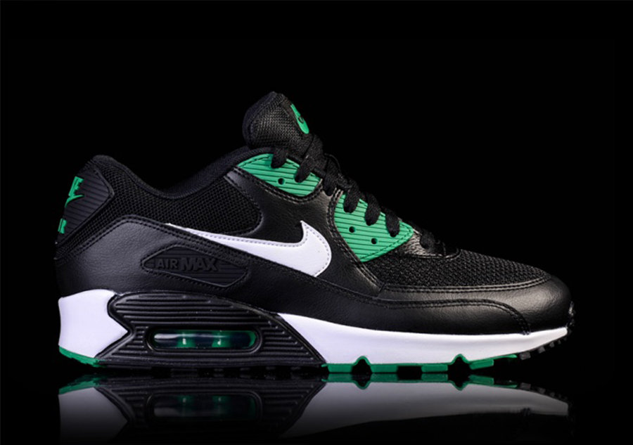 1c0e22d1c11 NIKE AIR MAX 90 ESSENTIAL  BLACK LUCID GREEN  per €105