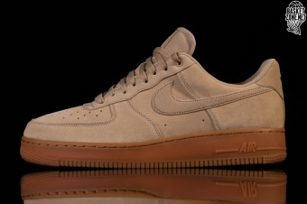 check out 795b2 11484 NIKE AIR FORCE 1 '07 LV8 SUEDE MUSHROOM voor €97,50 | Basketzone.net