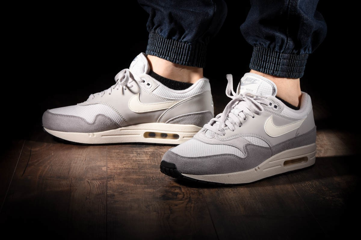 NIKE AIR MAX 1 for £110.00