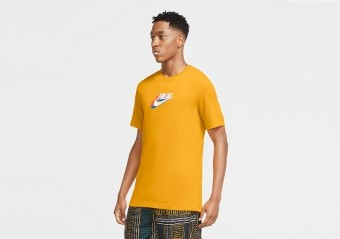 NIKE GIANNIS SWOOSH FREAK DRI-FIT TEE UNIVERSITY GOLD