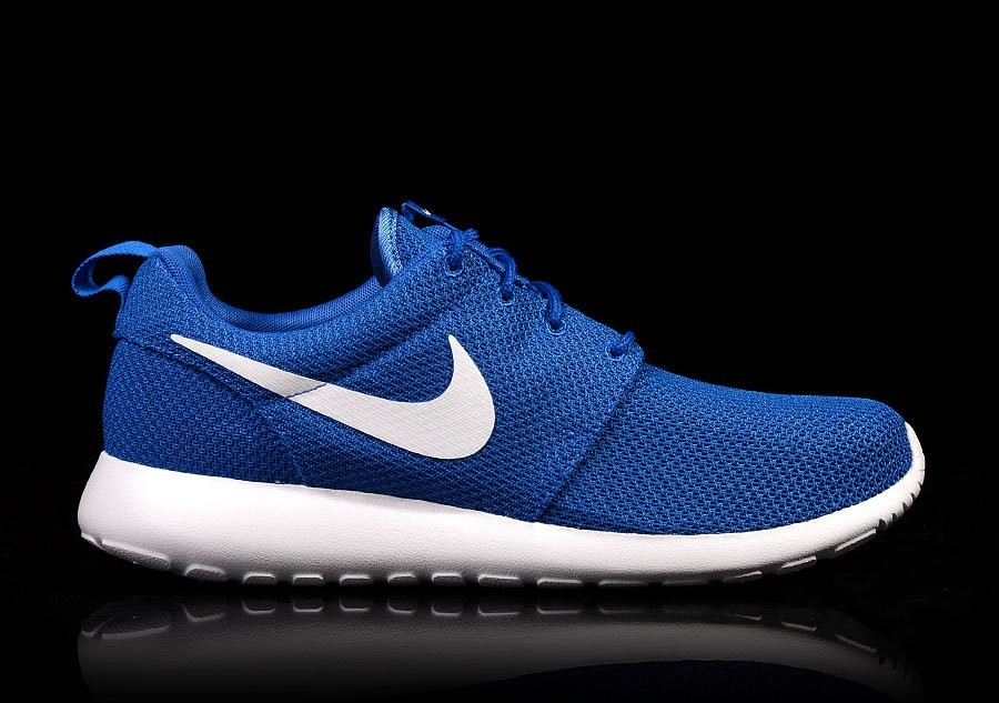 NIKE ROSHERUN GAME ROYAL