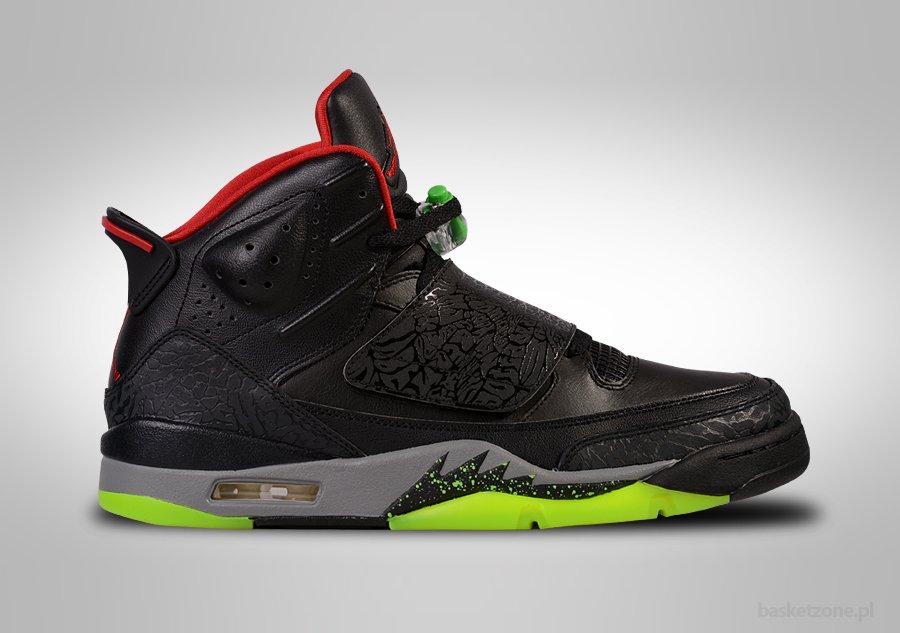 purchase cheap fcd69 4c677 Centinaia di Specials Nike air yeezy 1 donna Bagliore nel buio Grigie zen luce  scarpe